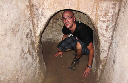 Cao Dai Temple and Cu Chi tunnels tour 1 day