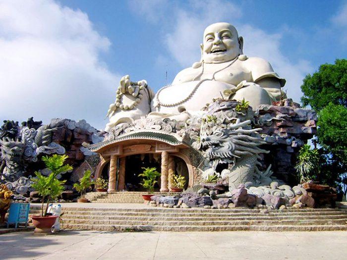 statue bay nui